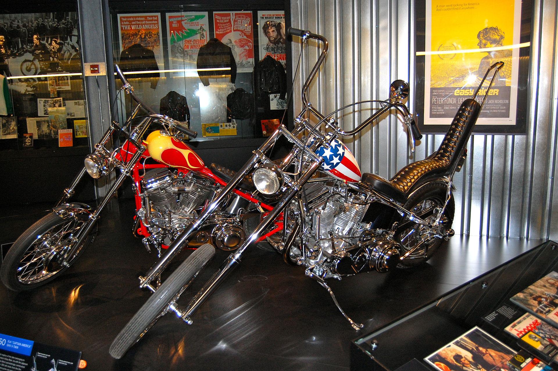 Harley-Davidson_Museum_Easy_Rider_Captain_America_Bike
